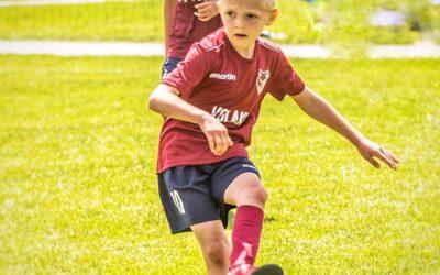 """Clubul de Pregătire a Tânărului Fotbalist """" VOLAKI"""": – 45% reducere pentru prima lună de antrenament!"""