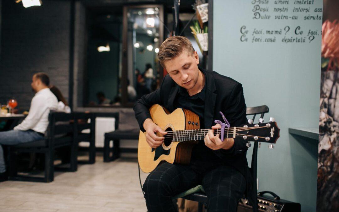 Cursuri online de chitară pentru copiii din Moldova sau din diasporă