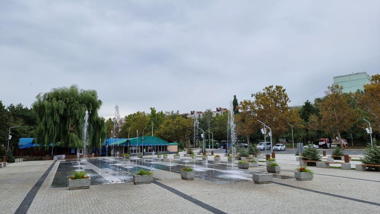 """(Foto) Transformarea parcului """"La Izvor"""""""